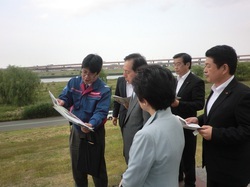 芝川水門の視察(2012年5月)