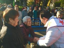 高齢者を激励@桐ヶ丘団地