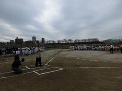 北区少年野球大会 始球式 280313.jpg
