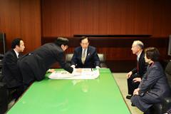 青森県知事0228.jpg